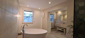 BADEZIMMER: Spachtel arbeiten an Wänden und Decke - Fertigstellung